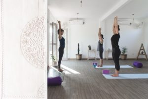 yoga class in nusa lembongan at house of om